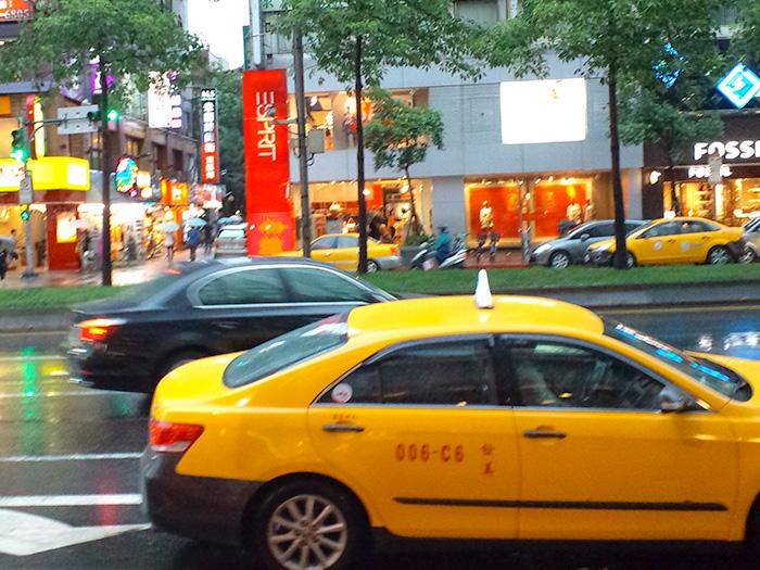 台湾のタクシーたち