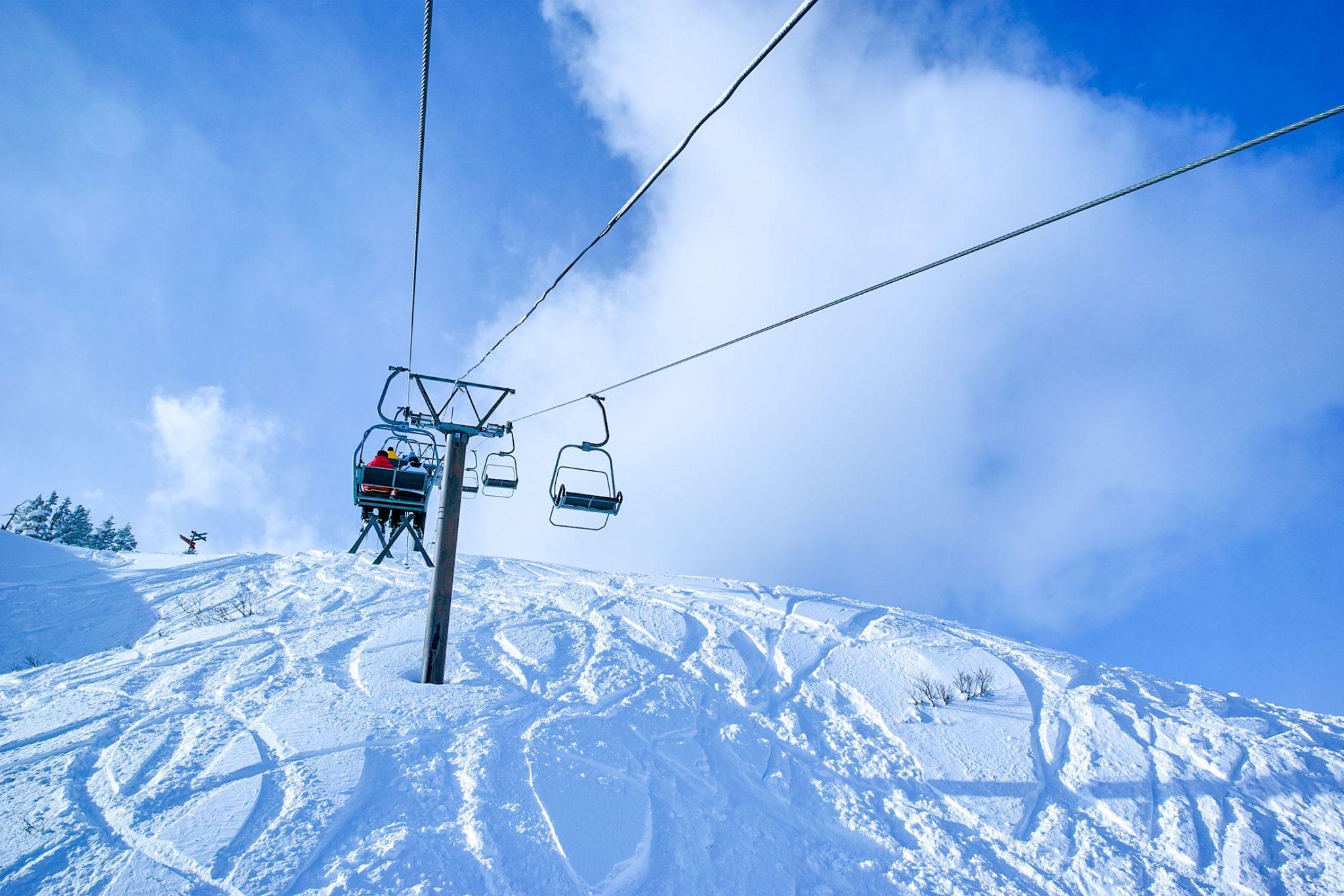 山頂へ向かうリフトにてdp0で撮影の1枚