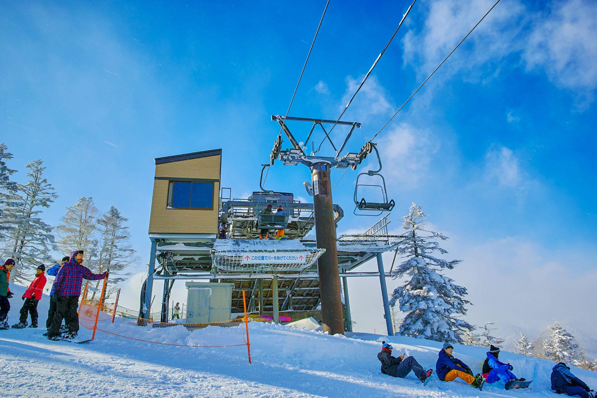 苗場スキー場山頂終点リフト降り場付近